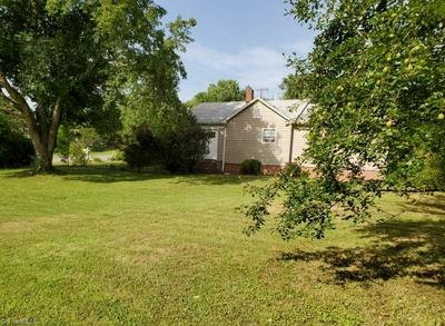 177 OLD FISHER FERRY RD, Thomasville, NC 27360 - Photo 2