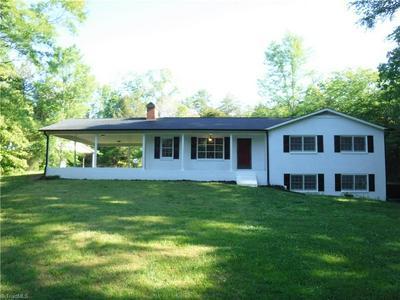 1089 COUNTRY LN, Mocksville, NC 27028 - Photo 1