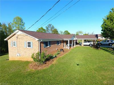 138 MOUNTAIN VIEW VILLAGE DR, Hays, NC 28635 - Photo 2