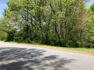 736 LAKE DR, Kernersville, NC 27284 - Photo 2