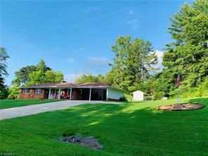 2133 MOOREFIELD RD, Danbury, NC 27016 - Photo 2