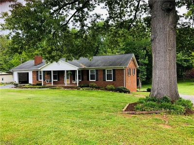 176 HAWTHORNE RD, Mocksville, NC 27028 - Photo 1