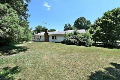 164 GREY ST, MOCKSVILLE, NC 27028 - Photo 2