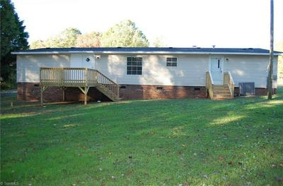 1317 FOXBURROW RD, Asheboro, NC 27205 - Photo 2