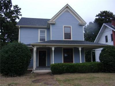 315 MAPLE AVE, Reidsville, NC 27320 - Photo 1