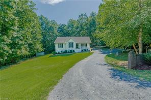840 COUNTRY PLACE RD, Asheboro, NC 27203 - Photo 2