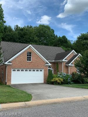 168 NEW HAMPSHIRE CT, Mocksville, NC 27028 - Photo 2