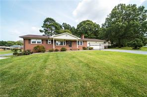 901 HASTINGS HILL RD, Kernersville, NC 27284 - Photo 2