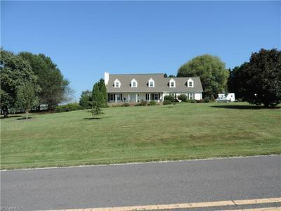 810 PUDDING RIDGE RD, MOCKSVILLE, NC 27028 - Photo 1