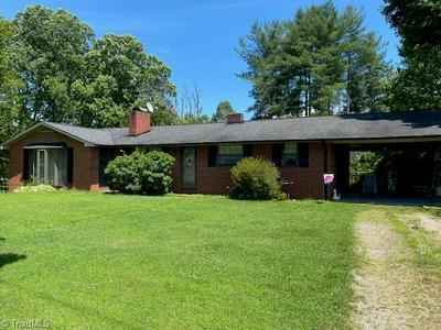 4760 MOUNTAIN VIEW RD, Hays, NC 28635 - Photo 2