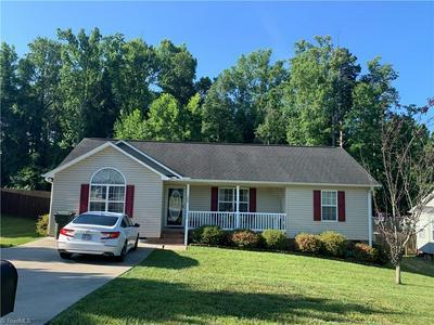 105 BATTLE DR, Thomasville, NC 27360 - Photo 2