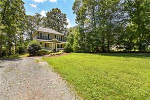 623 SKYCREST COUNTRY RD, Asheboro, NC 27205 - Photo 2