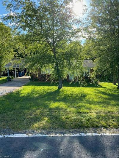 432 PLEASANT ACRE DR, Mocksville, NC 27028 - Photo 2