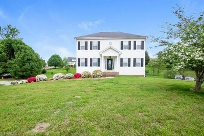 161 SPRING VALLEY CT, Clemmons, NC 27012 - Photo 2