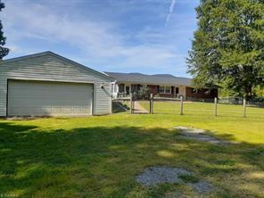 495 SEVEN ISLAND RD, Danbury, NC 27016 - Photo 2