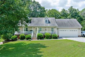 354 ARROWHEAD DR, Lexington, NC 27295 - Photo 1