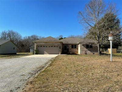 693 BEN LEE RD, Thomasville, NC 27360 - Photo 1