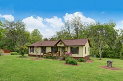 1375 VICTORY HILL CHURCH RD, Stoneville, NC 27048 - Photo 1