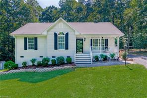 840 COUNTRY PLACE RD, Asheboro, NC 27203 - Photo 1