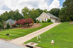116 ARLINGTON DR, Jamestown, NC 27282 - Photo 2