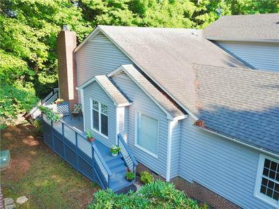 128 PEBBLE RIDGE LN, Winston Salem, NC 27104 - Photo 2