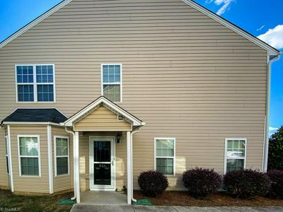 824 FEDERAL HALL LN, Kernersville, NC 27284 - Photo 2
