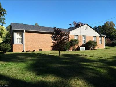 206 RIDGEWOOD DR, Lexington, NC 27292 - Photo 2