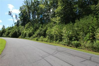 5257 ELLWORTH RIDGE DR, Walkertown, NC 27051 - Photo 2