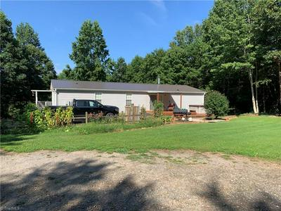 186 FISHER VALLEY RD, Dobson, NC 27017 - Photo 2