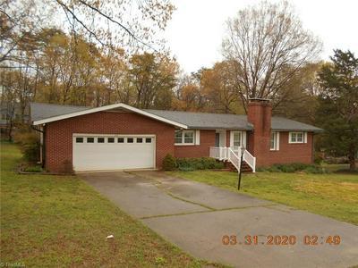 1031 HARRIS ST, EDEN, NC 27288 - Photo 2
