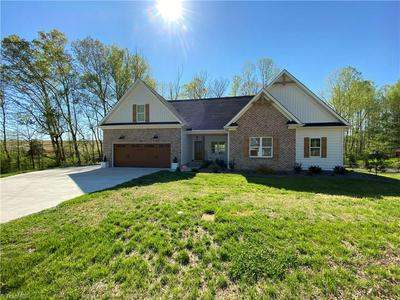 113 MOUNTAIN SHADOW LN, King, NC 27021 - Photo 2