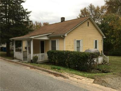 153 WILLIAMS ST, MOCKSVILLE, NC 27028 - Photo 1