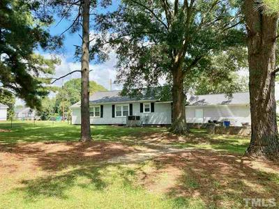 412 S CARRIE ST, Coats, NC 27521 - Photo 2