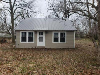 283 E COLLEGE ST, HENRY, TN 38231 - Photo 1