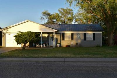 608 STANTON ST, Hereford, TX 79045 - Photo 2