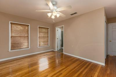 1217 LOUISIANA ST, Center, TX 75935 - Photo 2