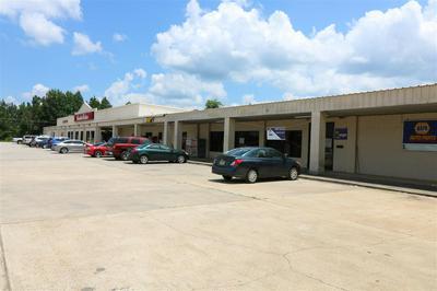 615 W COURT ST, Newton, TX 75966 - Photo 1