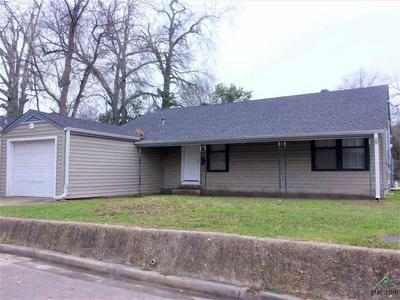 205 FAIR PARK AVE, HENDERSON, TX 75654 - Photo 1