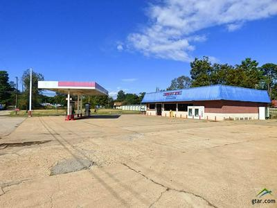 101 E 5TH ST, Winfield, TX 75493 - Photo 1