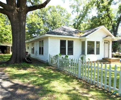 207 E HARRISON ST, Jefferson, TX 75657 - Photo 1