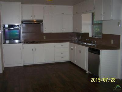 1217 SAN ANTONIO ST, Tyler, TX 75701 - Photo 2