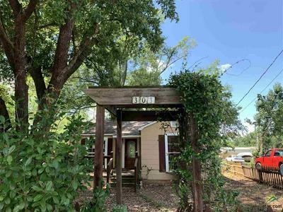 303 E NEAL ST, Carthage, TX 75633 - Photo 2