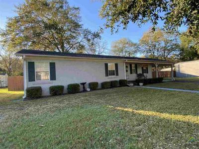 606 S CYNTHIA ST, Overton, TX 75684 - Photo 2