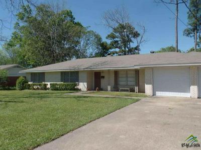 1004 BRYAN ST, Jacksonville, TX 75766 - Photo 2