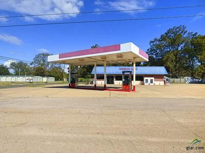 101 E 5TH ST, Winfield, TX 75493 - Photo 2