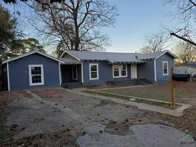 1204 PRICE ST, HENDERSON, TX 75654 - Photo 1