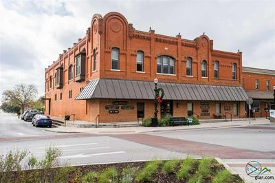 201 W MULBERRY ST, Kaufman, TX 75142 - Photo 1