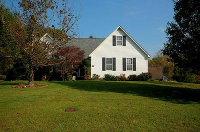 1942 BAY VIEW DR, COOKEVILLE, TN 38506 - Photo 1