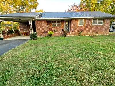 110 GENTRY ST, McMinnville, TN 37110 - Photo 2