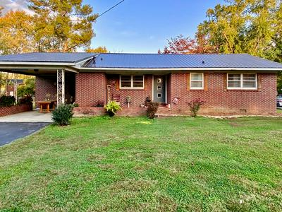 110 GENTRY ST, McMinnville, TN 37110 - Photo 1